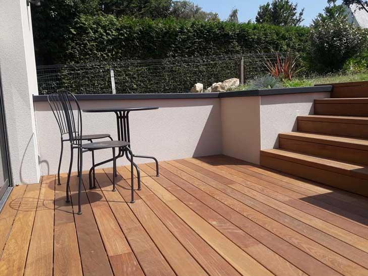 Terrasse et marches en bois exotique Ipé