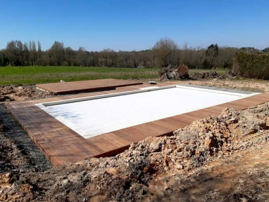 Terrasse et contour piscine en bois exotique Ipé