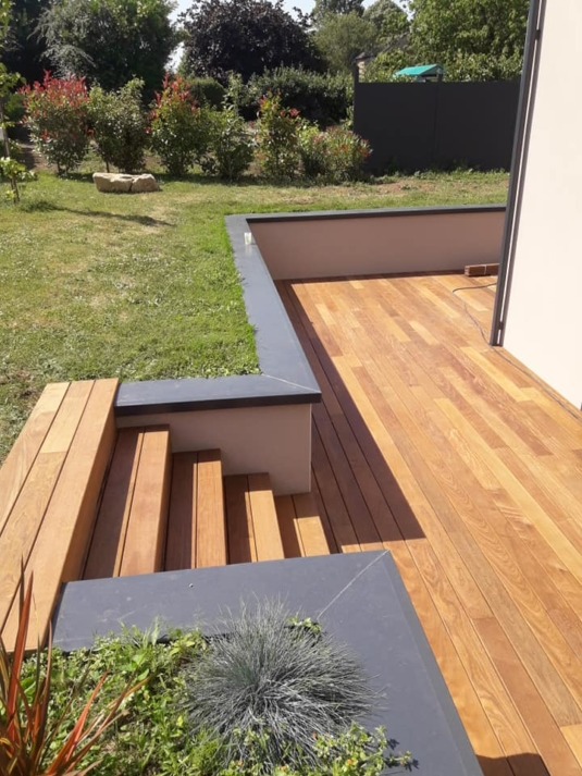 Terrasse avec marches