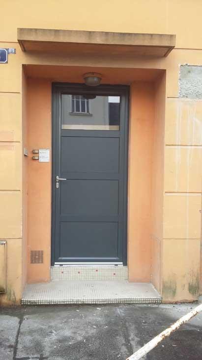Porte d'entrée alu gris 7016